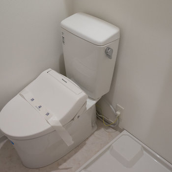 トイレも新品!※写真は前回施工のお部屋