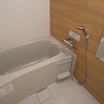 お風呂も新しく!※写真は前回施工のお部屋