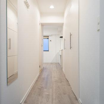 玄関からはこんな感じです。※写真は前回施工のお部屋