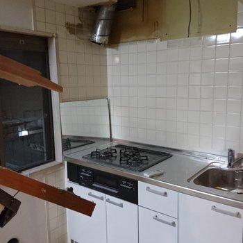 キッチンはこちらをリニューアル※写真は工事中