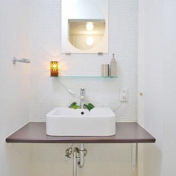 愛らしい造作の洗面台♩(※写真は10階の同間取り別部屋のものです)