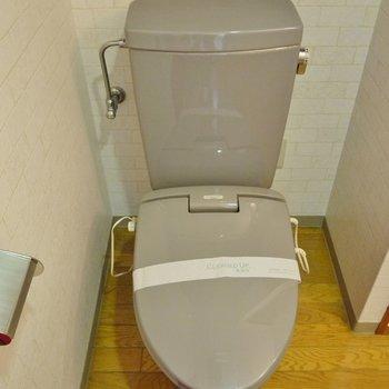 トイレもまだまだキレイですよ!