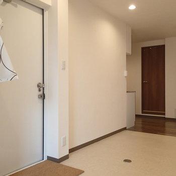 玄関に靴を脱ぐスペースはありません!