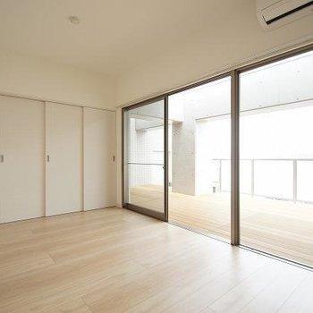 お部屋と同じ位の広さがあります!!