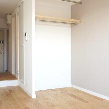 コンパクトなお部屋を支えるのは無垢床!