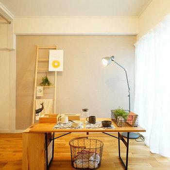 【イメージ】テーブルとお気に入りのインテリア達。それだけでいい