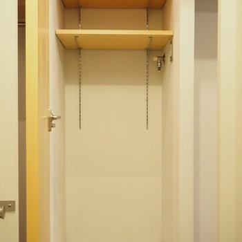 トイレも洗濯機置場も、デザインの統一性がありますね
