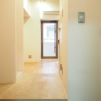 玄関をあけると、素敵な空間が広がっています。