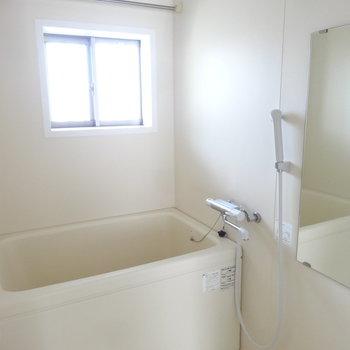 浴室には換気システムや乾燥機までついていて設備もしっかり!