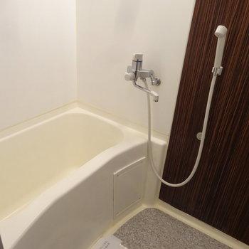 浴室も清潔でスッキリしています。