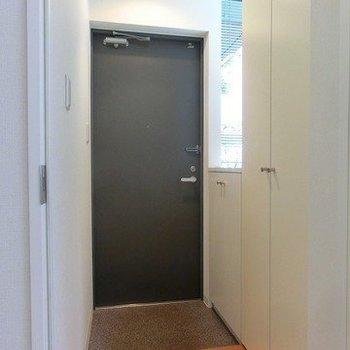 玄関広めです。(※写真は別部屋)