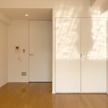ダウンライトが素敵な空間を演出しています。※写真は8階の同間取り別部屋のものです