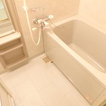 ピカピカのお風呂です※写真は別部屋です