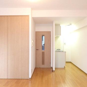 ドアのデザイン※写真は別部屋です
