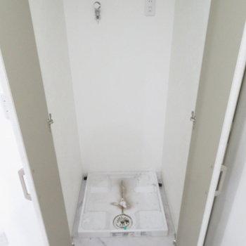 洗濯機は脱衣所のそばにありました