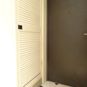 シューズボックスの扉がかわいいんです。