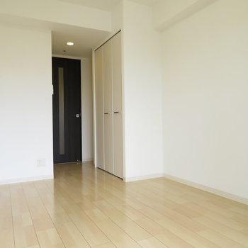 壁面を多く使えるので、家具の配置は楽かな?