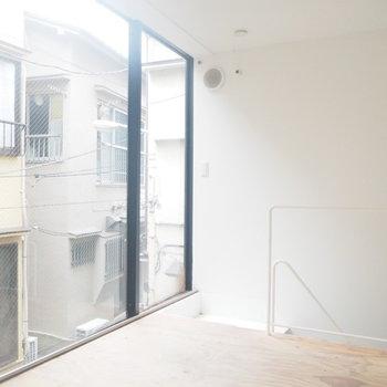 【2階】壁一面の窓、アコガレます※写真は前回募集時のものです
