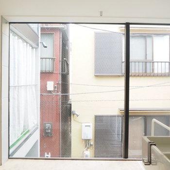 【2階】洗面所から見るとこんな感じ