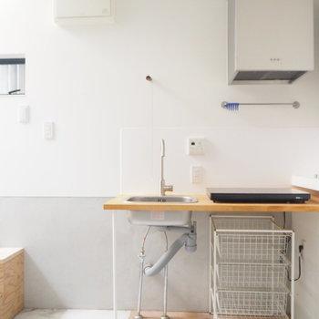 【1階】これぐらいシンプルなキッチンがお洒落※写真は前回募集時のものです