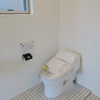 ウォシュレットです※写真は2階の同間取り別部屋のものです