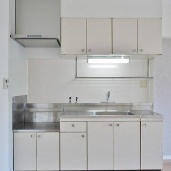 大きめのキッチンで広々使える。