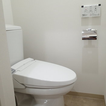 トイレはちょっと狭かったです