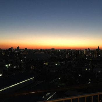 うんと綺麗な夜景に癒やされます。