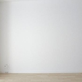 白い壁だとどんな家具でも似合うな~