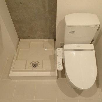 脱衣所内に洗濯機置場とトイレがあります※写真は前回募集時のものです