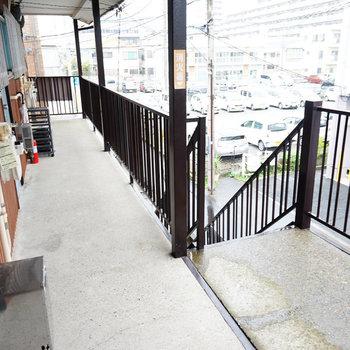 共用部と階段はこんな感じ。