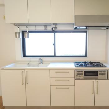 キッチンはゆったり3口ガス♪※写真はイメージです