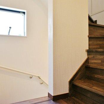 階段にも窓があります。※写真は前回募集時のものです