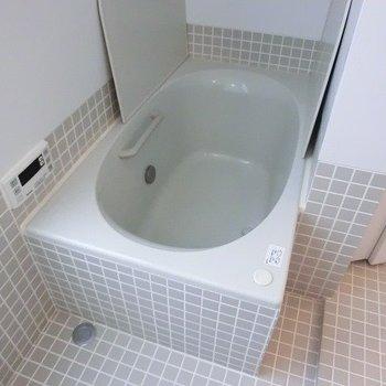 浴槽も大きいです。※写真は別部屋です