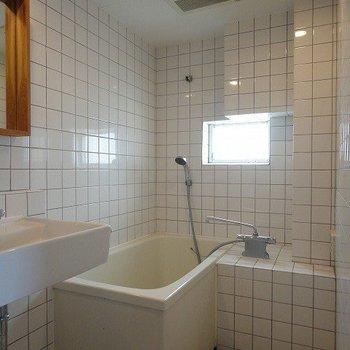 バスルームはカーテンで仕切ろう
