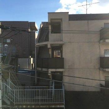 眺望はこちら・・・※写真は4階の同間取り別部屋です