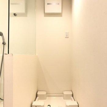 洗濯機置場も収まりよく。