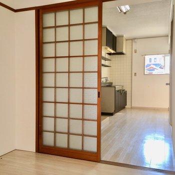 ちょっぴり昭和感残るお部屋に、平成が終わる前に住んじゃいましょ!(※写真は清掃前のものです)