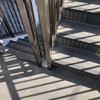 階段で3階まで!運動不足解消にちょうどいいな〜!