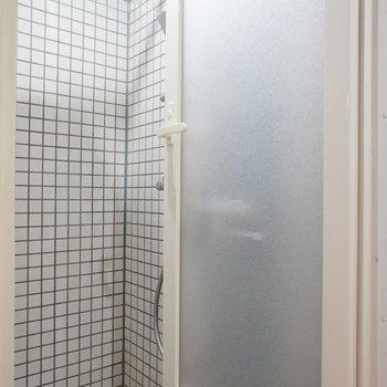 THEシャワールーム