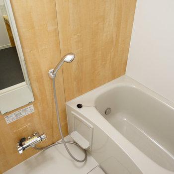 追い焚き付きのお風呂に交換※写真は前回施工のお部屋