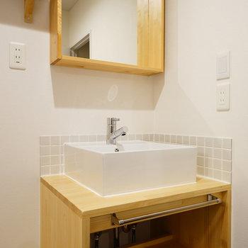 造作の洗面台に※写真は前回施工のお部屋