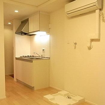 居室に洗濯機置き場があるのが残念なところ*写真は別部屋です