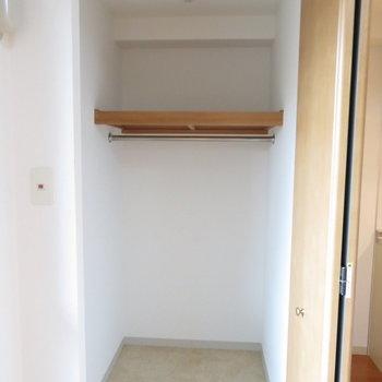 容量たっぷりクローゼット※写真は4階の同間取り別部屋のものです