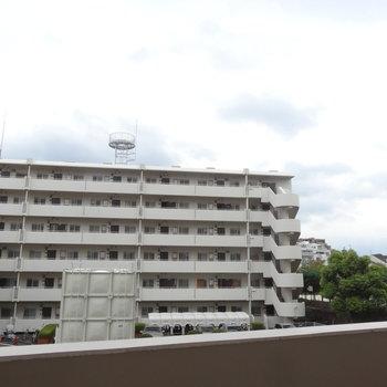 眺望は高い建物がなくて抜けています。