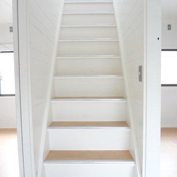 さて、2階に上がりましょうか。