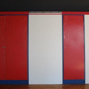 赤い扉を開けてみると・・・