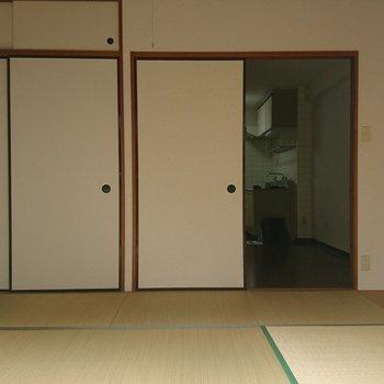 右の扉は無くして1つの空間に!※写真は工事前です
