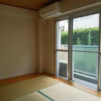 窓が大きい明るいお部屋!※写真は工事前です