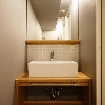 洗面台もオリジナルデザイン♪